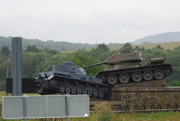 Танковый бой!
