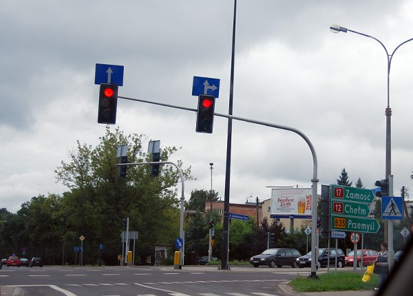 Пример дорожных обозначений в Ржешове