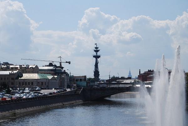 Памятник Петру