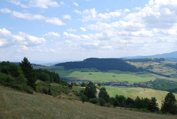 Вид на местные холмы