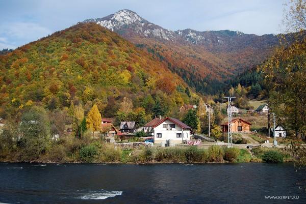 Горы над рекой Ваг