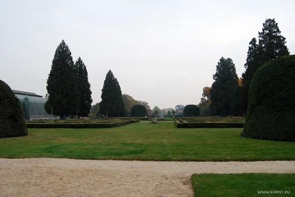 Парк у замка