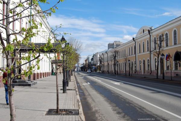 Никого нет на улице Кремлевской