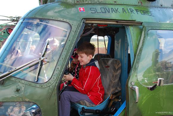 Матвей в вертолете