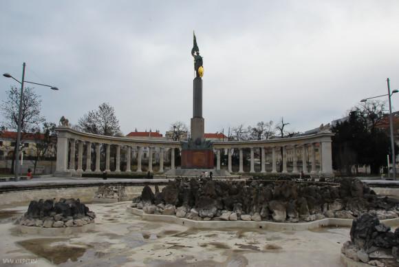 Памятник героям Советской армии