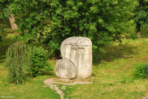Камень основания
