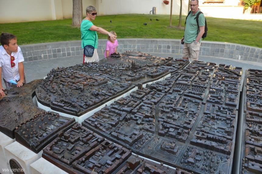 Макет старого города
