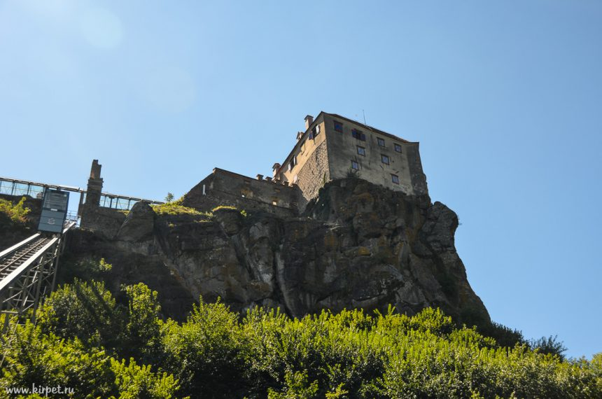 Фуникулер к замку
